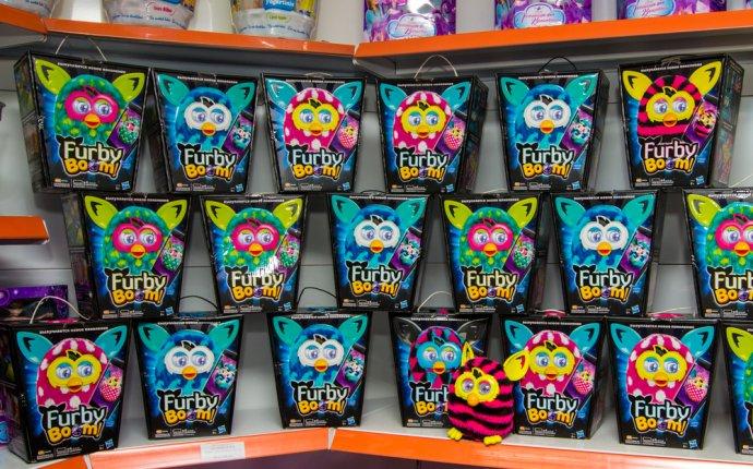 Интерактивные игрушки Furby Boom новых расцветок появились в «Gepetto»